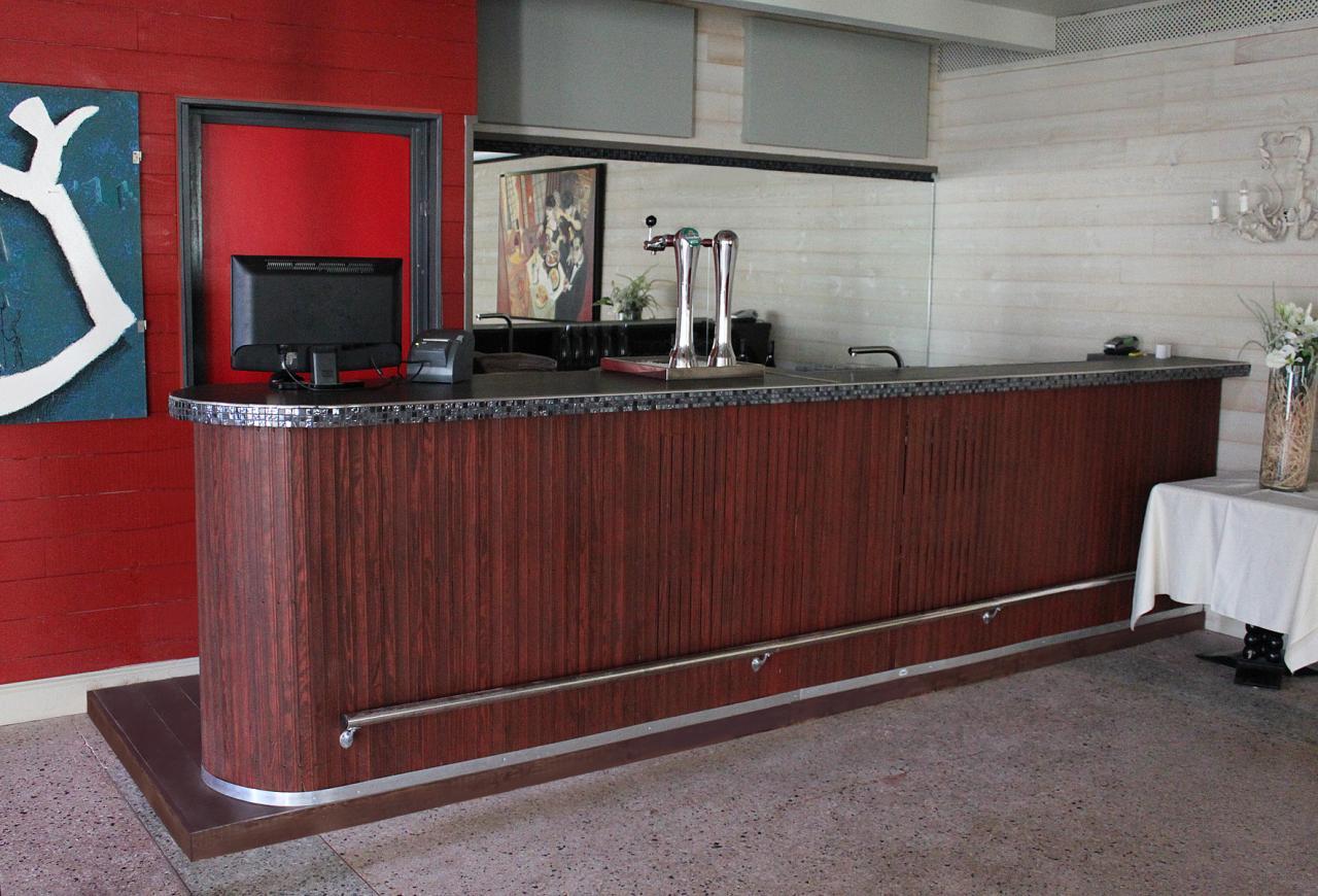 C2k cr ation mobilier pour entreprises magasins h tellerie - Mobilier design d occasion ...