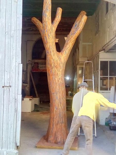 Etape 3 de la fabrication de l'arbre factice, patines